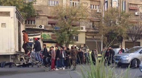 """""""ممنوع من المغادرة"""" جملة تنهي أحلام آلاف من السوريين"""